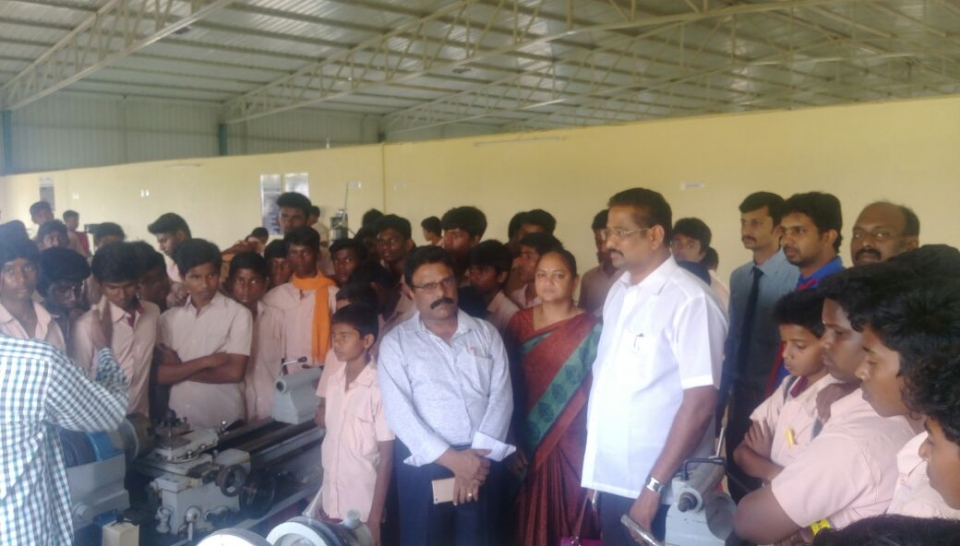 Project on Science & Maths - College visit by school students
